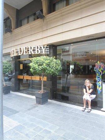 โรงแรมดาร์บี้: derby barcelona