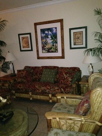Tortuga Beach Resort: Living Room Area