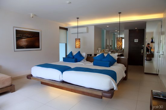 Discovery Shores Boracay: Junior suite. Love the layout.