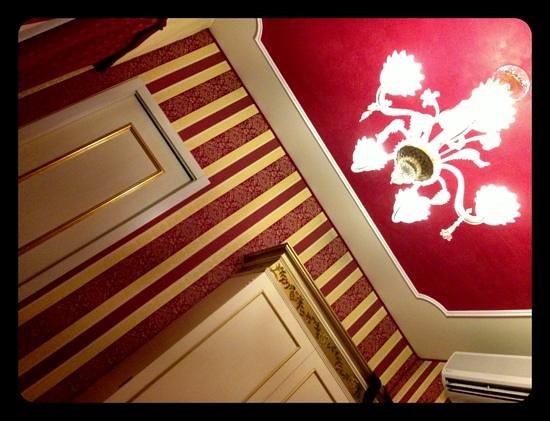 Hotel Belle Epoque: stanza 402