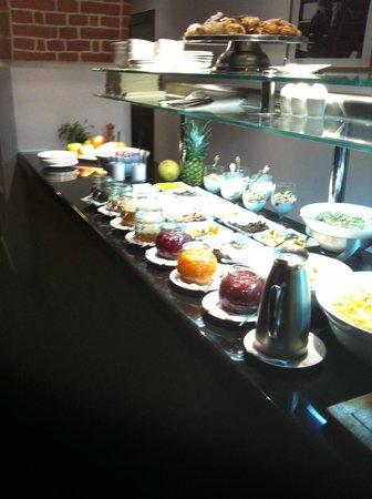 The Granary - La Suite Hotel: more food