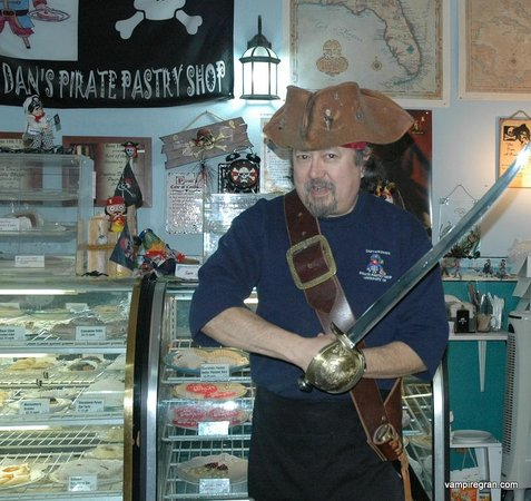 Captain Dan's Pirate Pastry Shop: Can you slice pie with that thing?