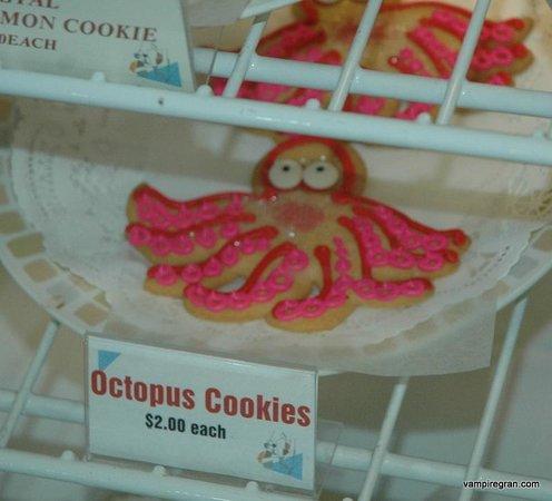 Captain Dan's Pirate Pastry Shop : Adorable octopus cookies