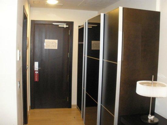 Hotel-Spa Bienestar Moaña: Habitacion amplia y limpia