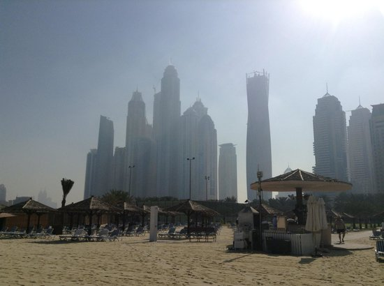 Habtoor Grand Resort, Autograph Collection: View of the hotel from the beach