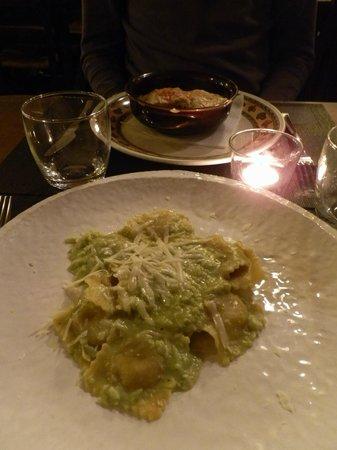 Il Cantinone: crespelle ricotta e spinaci, ravioli con pesto di rucola e pecorino