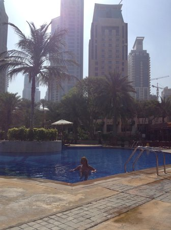 Habtoor Grand Resort, Autograph Collection: The main pool