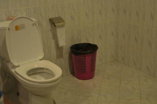 Panchi Villa: bagno