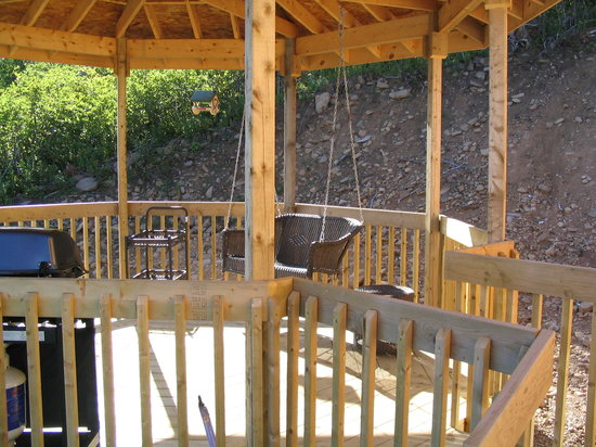Graham's Pioneer Retreat: The gazebo at Felicity Cottage.