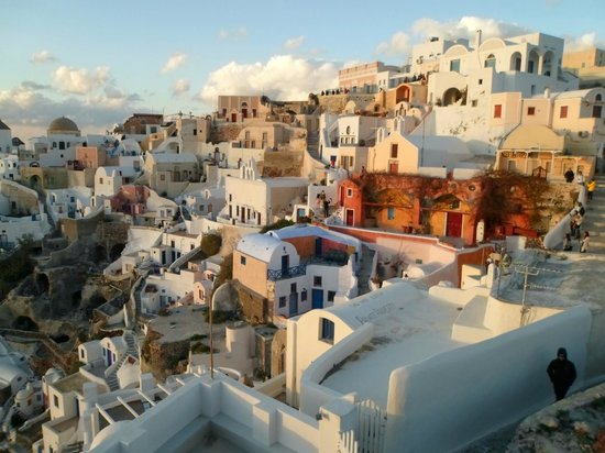Pelican Hotel: Oia... view during sunset...