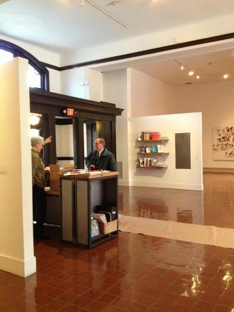 Brattleboro Museum and Art Center : Entry way to the Brattleboro Museum & Art Center