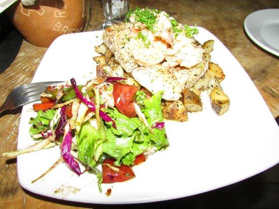Brisas del Mar: Mixed Seafood special..AMAZING