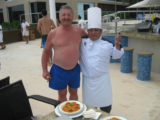 Hard Rock Hotel Cancun: Chef Vincente (What's for lunch today?)