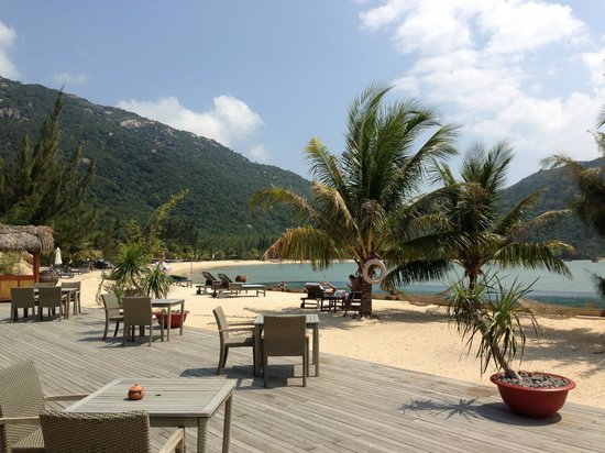 An Lam Ninh Van Bay Villas: Beach
