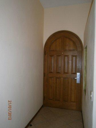 El Ameyal Hotel & Family Suites: Hasta la puerta.