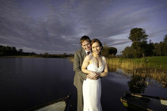 Dromoland Castle Hotel: At lake side