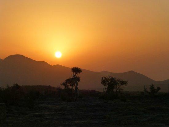Jebel Shams Resort: Sunset view