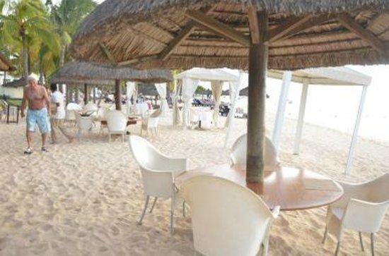 Le Meridien Ile Maurice: Para comer al lado del mar