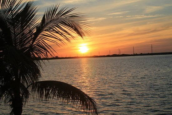 Hawks Cay Resort: Sunset from our villa