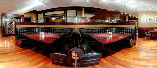 Shula's 347 Grill: Dining Room