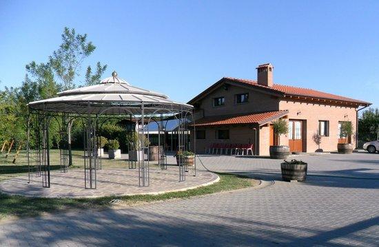 San Lazzaro di Savena, İtalya: Agriturismo: La Corte dei Ciliegi, vieni a trovarci!
