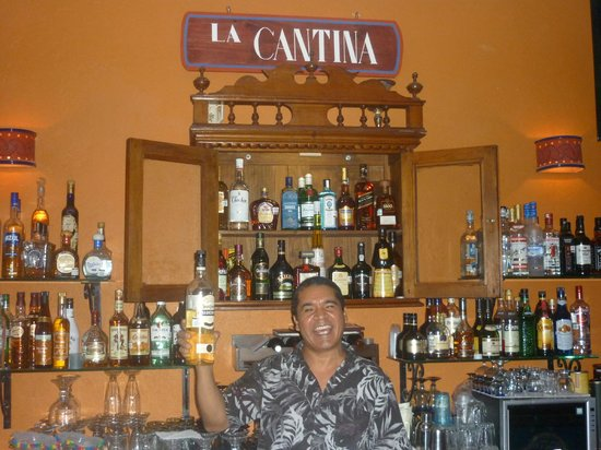 Casa Fantasia: SIMONE, OUR BARTENDER