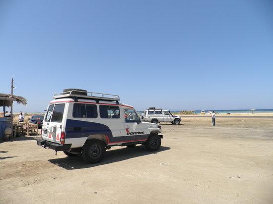 Three Corners Fayrouz Plaza Beach Resort: in jeep nel deserto con l'hotel