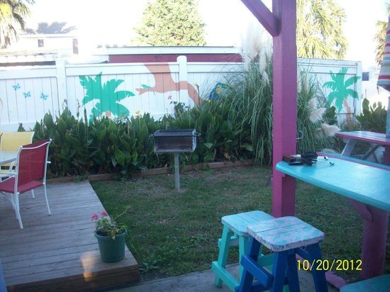 Caribbe Inn: What a great place to grill out and relax!