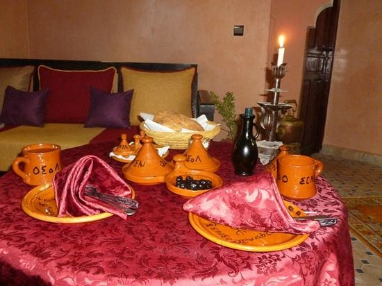 Riad Atlas Toubkal: Our table laid for our evening meal