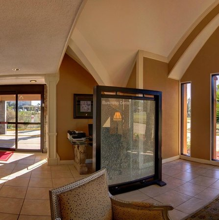 Eve Hotel: Lobby