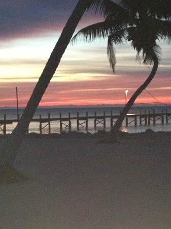 Seashell Beach Resort: Sunrise