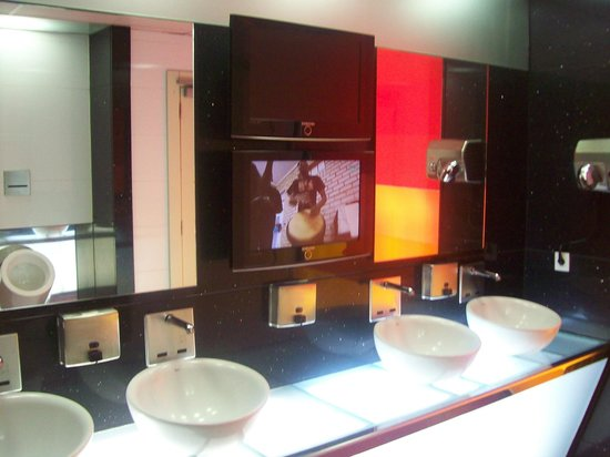 BAH Barcelona Airport Hotel: lobby toilet with a tv in . why ?