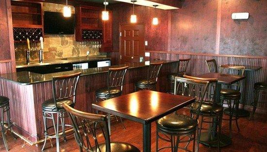 Noble Inn: Lobby Pub