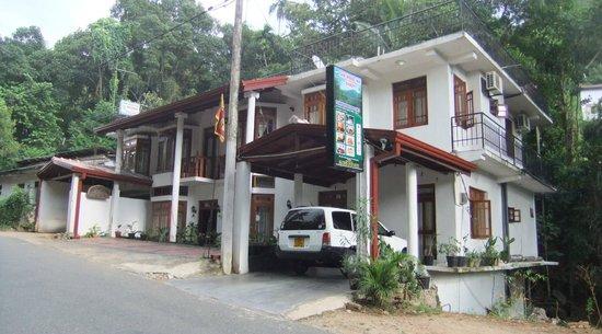 Oak Wood Inn Kandy Hotel : prima hotel