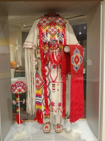 The Eiteljorg Museum: Indian costume