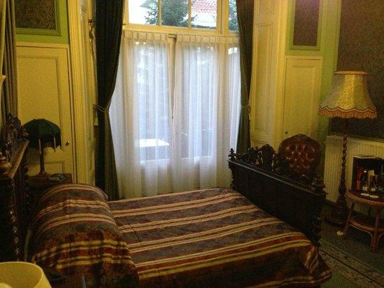BEST WESTERN Hotel Fidder: Letto / finestra