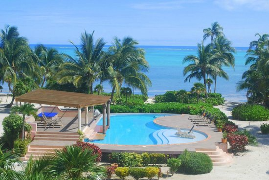La Perla Del Caribe: View of Pool and ocean from Villa Pearl veranda