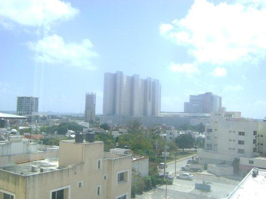 LQ Hotel by La Quinta Cancun: Vista desde la habitación