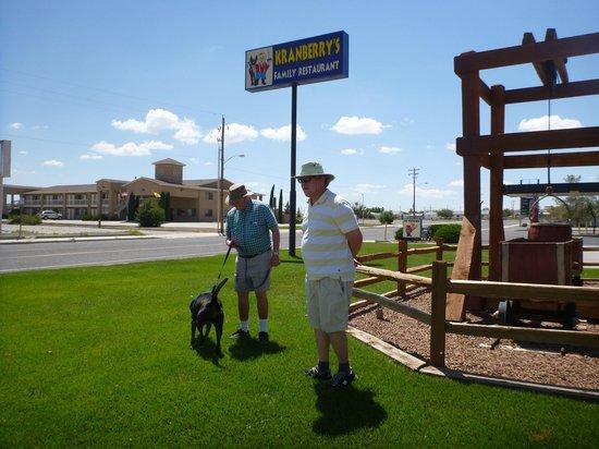 Econo Lodge Lordsburg in background