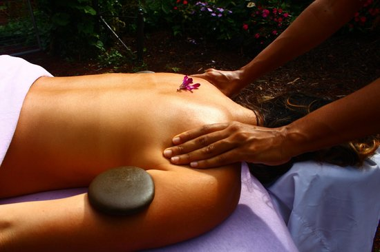 A Beautiful Day, Nani La 'Ao: Lomilomi massage