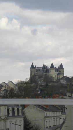 Chateau de Verrieres: VISTA DE LA SUITE
