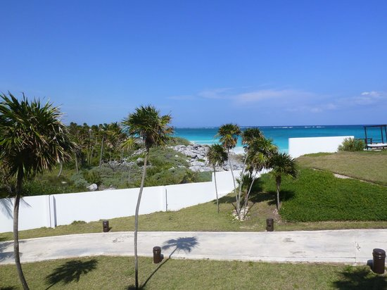 Kore Tulum Retreat and Spa Resort: Views from our room.