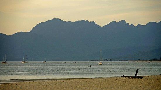 ฮอลิเดย์ วิลล่า บีช รีสอร์ท แอนด์ สปา ลังกาวี: beach