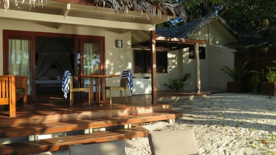 Erakor Island Resort & Spa: Bungalow Deck and Sap