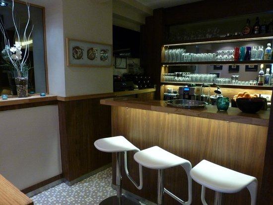 Elanaz Hotel Istanbul: Angolo bar