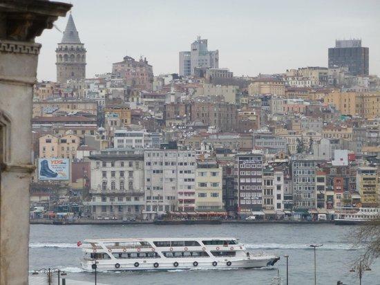 Elanaz Hotel Istanbul: Vista laterale della camera