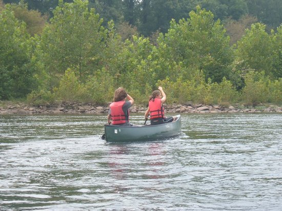 Blackwater Outdoor Adventures : Going down the river