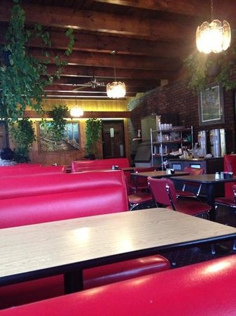 Tony's Pizzalicious: cool late 1960s decor