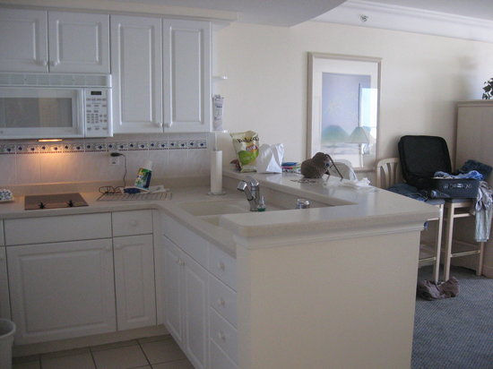 Daytona Beach Resort and Conference Center: great full size kitchen