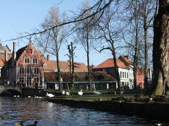 Ibis Brugge Centrum: More views.